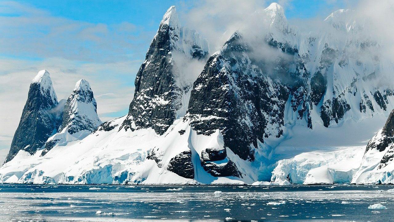 Мишустин утвердил план по реализации стратегии развития деятельности РФ в Антарктике