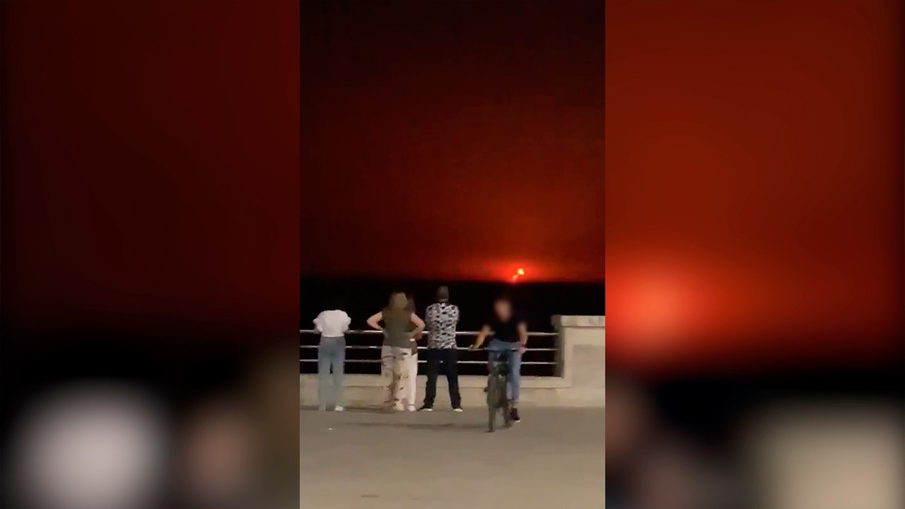 В МЧС Азербайджана опровергли сообщения о взрыве на нефтяной платформе в Каспийском море
