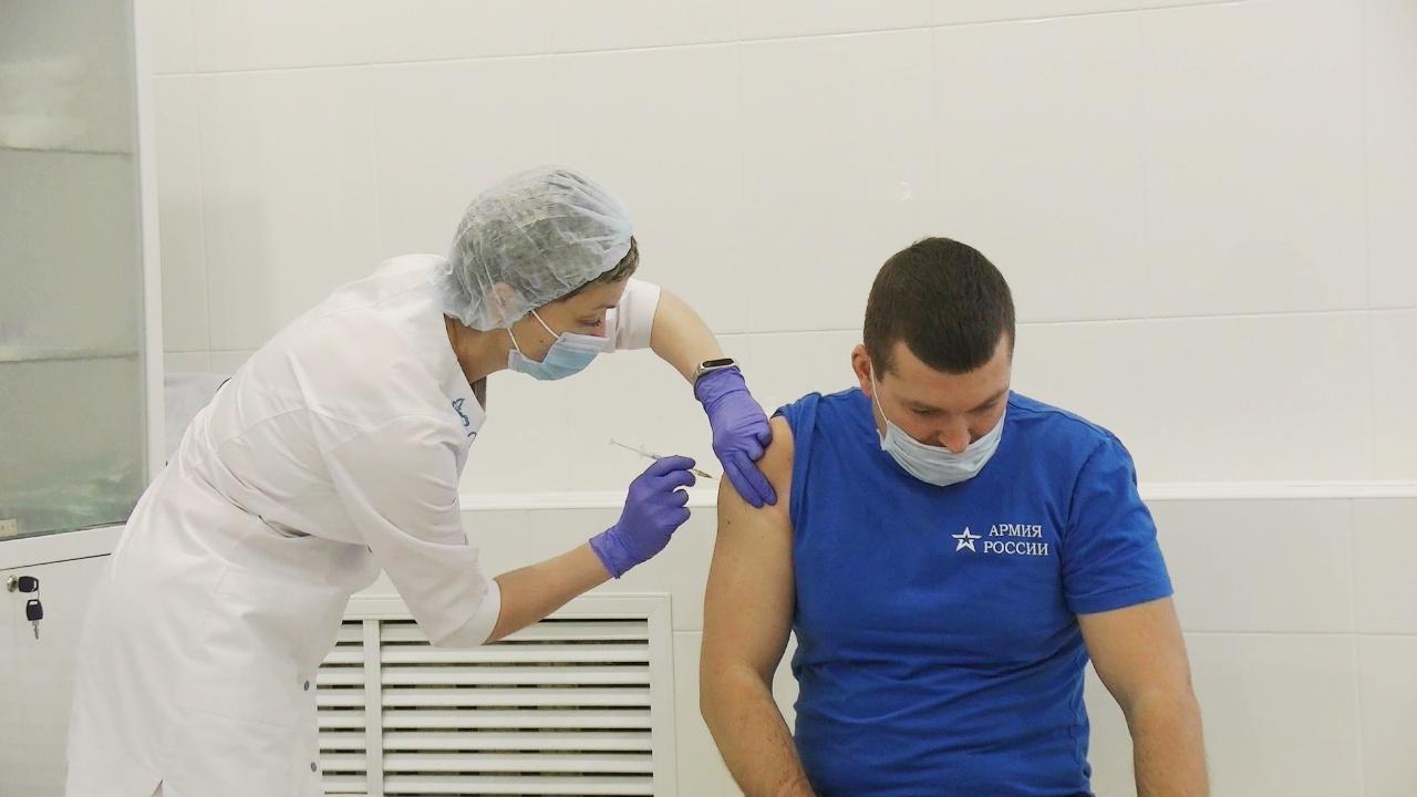 Карельские летчики ВВС и ПВО получили второй компонент вакцины