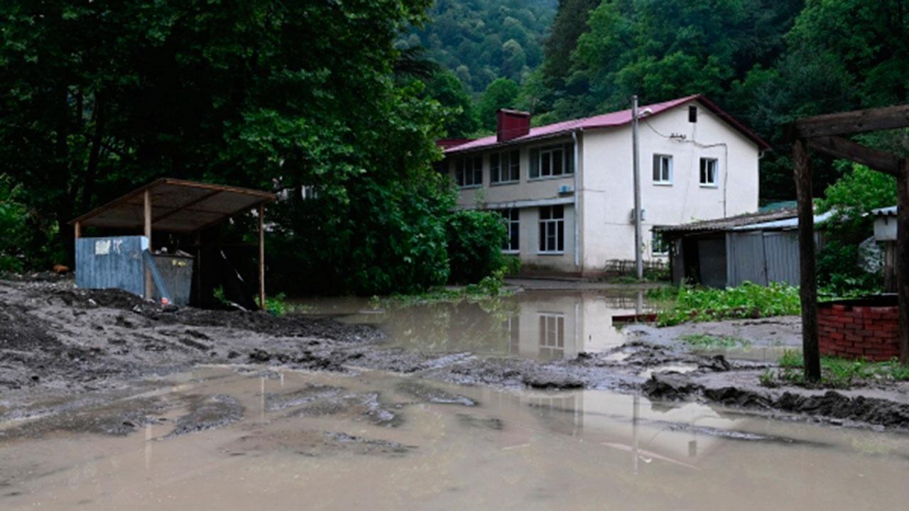 МЧС: в районе Джубги подтоплены 150 придомовых территорий