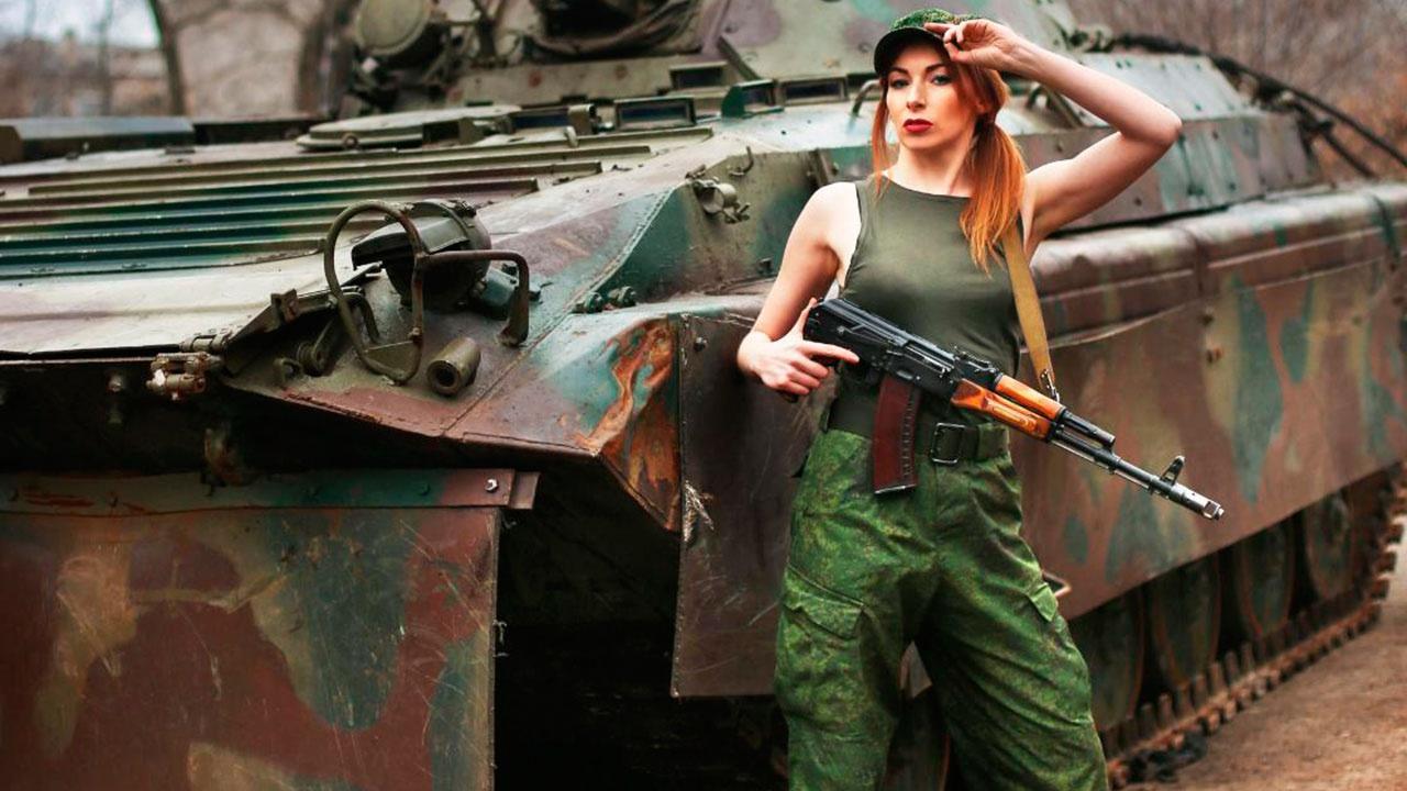 Прощай, «Рыжая с камерой»: в Сети сообщили о смерти военкора ДНР Кати Катиной