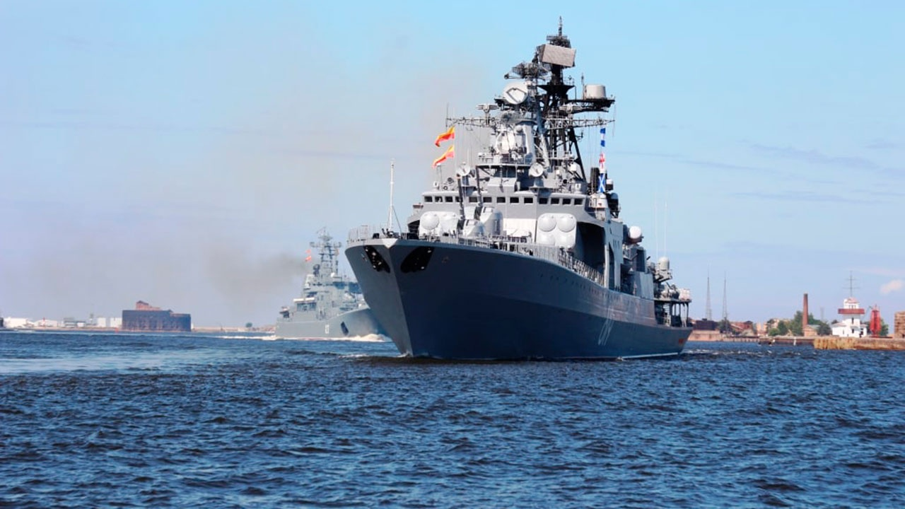 Корабли крупного водоизмещения прибыли в Финский залив для участия в Главном военно-морском параде