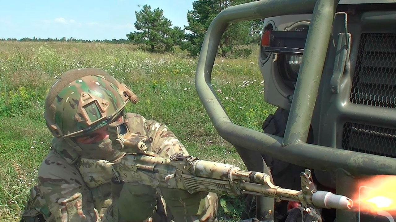 Спецназ ЦВО на учениях под Самарой разгромил «боевиков» и захватил важные документы