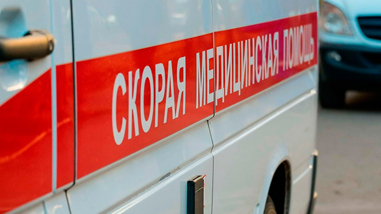 Более 100 студентов отравились на базе отдыха в Ленинградской области