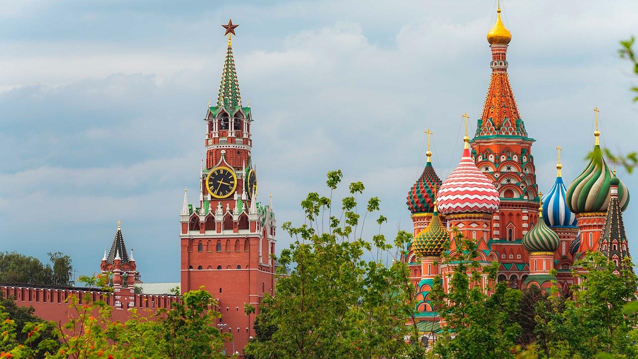 В Кремле прокомментировали просьбу жителей омской деревни к Меркель починить дорогу