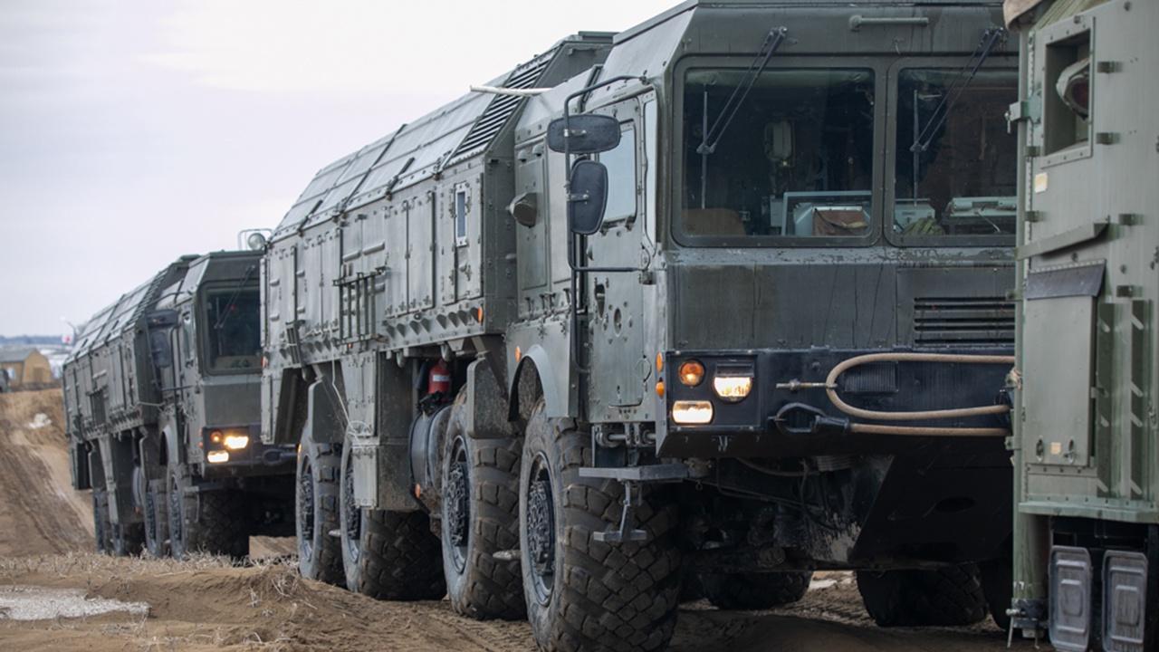 Удар «Искандера»: ракетчики «уничтожили» комплексы ПВО противника в Северной Осетии