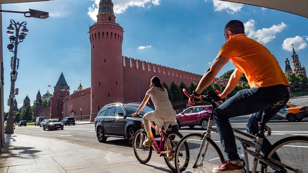 Последние дни жары: в Москве объявили оранжевый уровень опасности