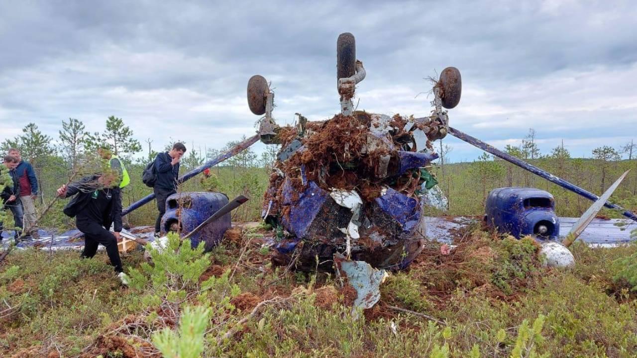 Дело о жесткой посадке самолета Ан-28 под Томском поставили на контроль ЦА СК