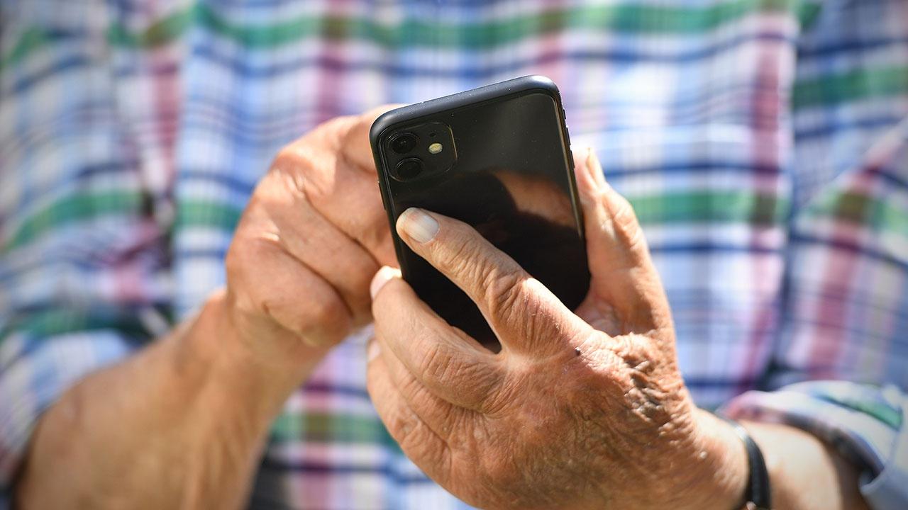 Врач предупредил россиян о способности смартфонов снижать иммунитет