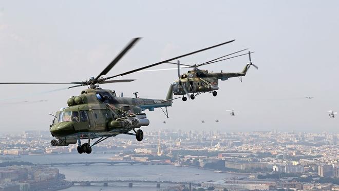 Репетиция воздушной части Главного военно-морского парада в небе Петербурга