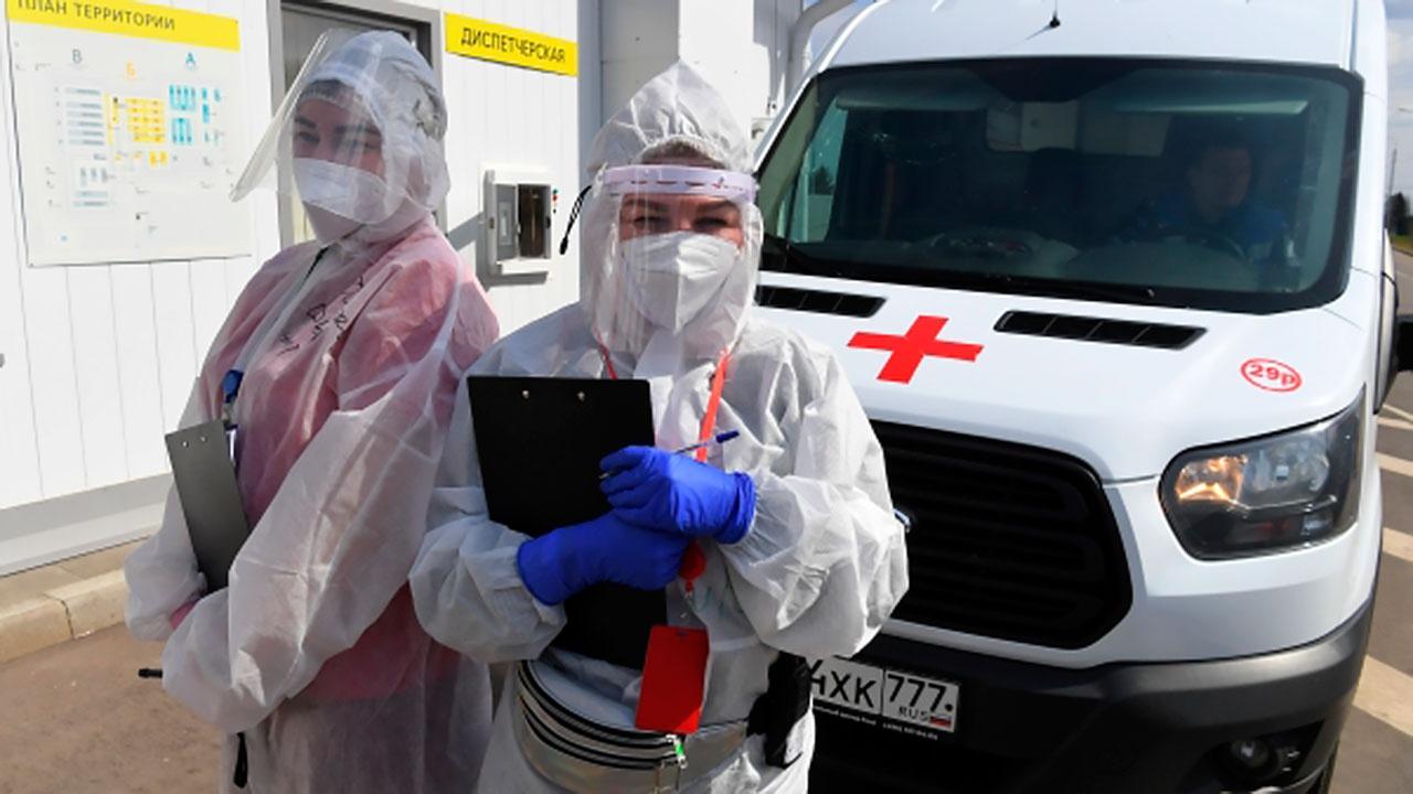 Собянин заявил о продолжающемся уже четыре недели снижении заболеваемости COVID-19