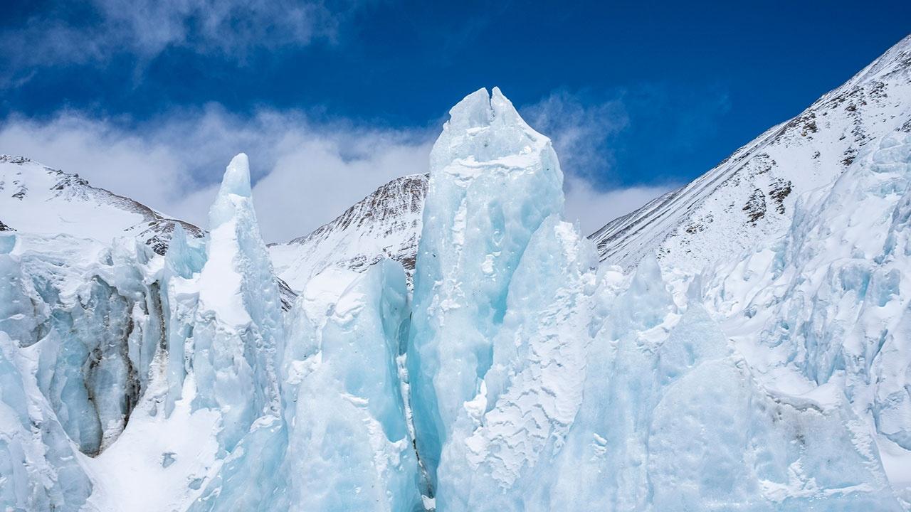 Неизвестные древние вирусы из тающих ледников Тибета вернулись к жизни