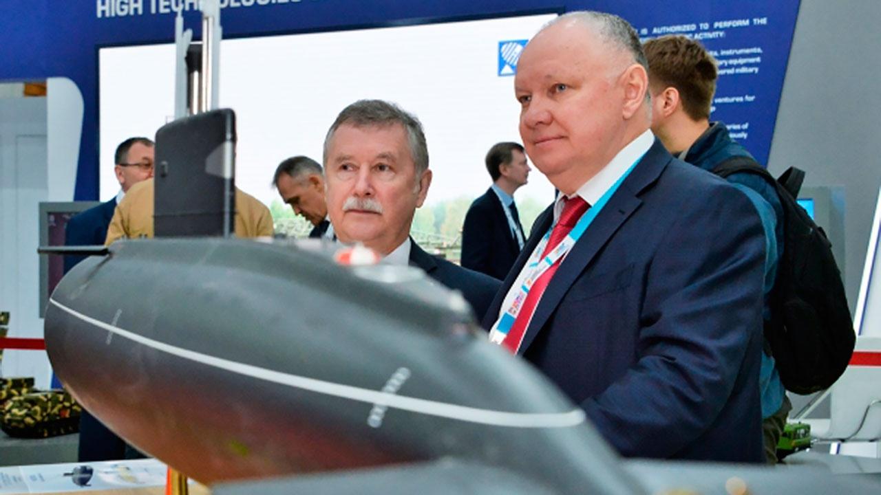 Глава «Рособоронэкспорта» заявил о том, что Россия почти перестала продавать оружие за доллары