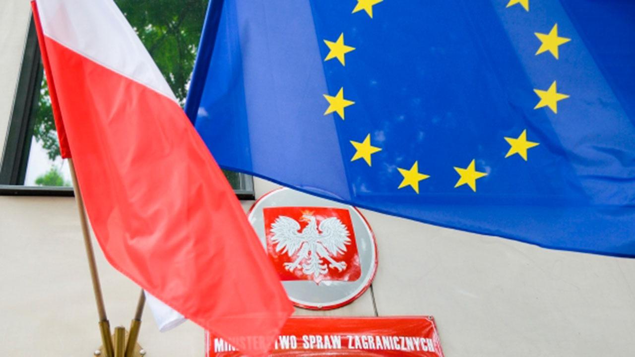 Польша решила направить гуманитарный конвой в Литву