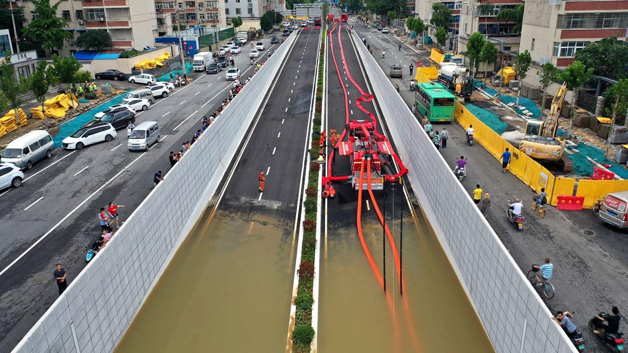 Из-за наводнения в Китае число жертв выросло до 33