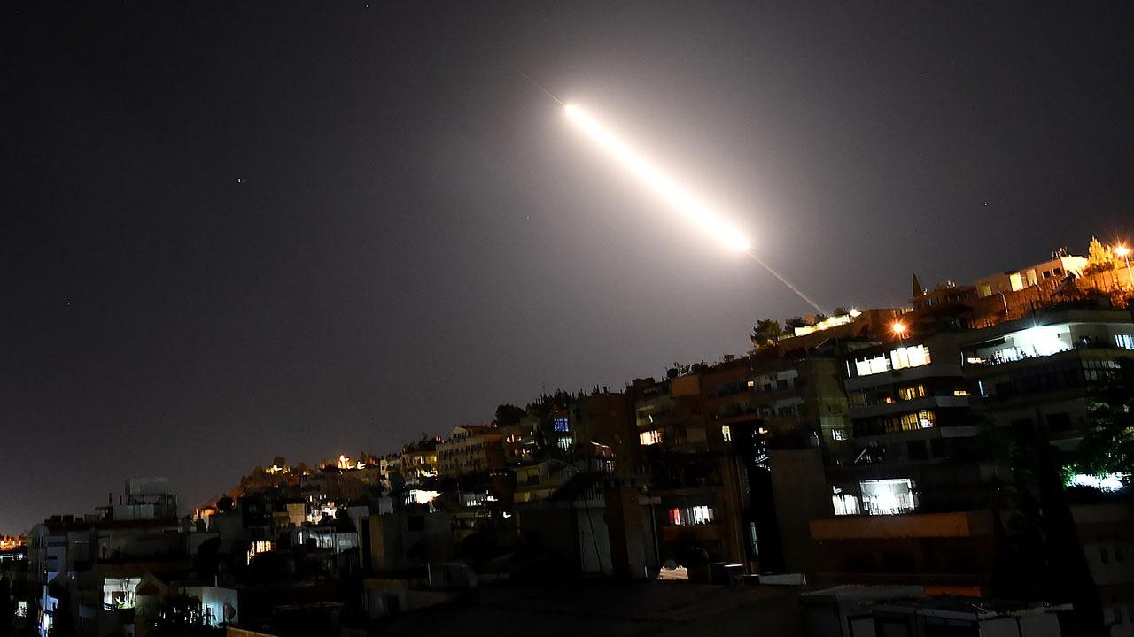 В Сирии сообщили об отражении ПВО атаки над Хомсом