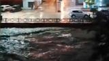 Улицы затоплены: река Дагомыс вышла из берегов в Сочи