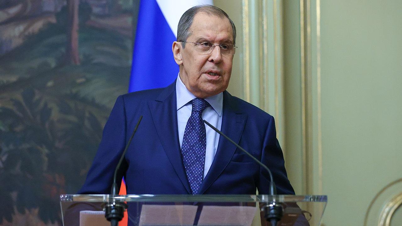 Лавров заявил, что Россия не даст вовлечь себя в гонку вооружений