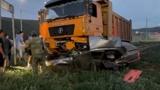 Три человека погибли в ДТП с грузовиком и легковым автомобилем в Тыве