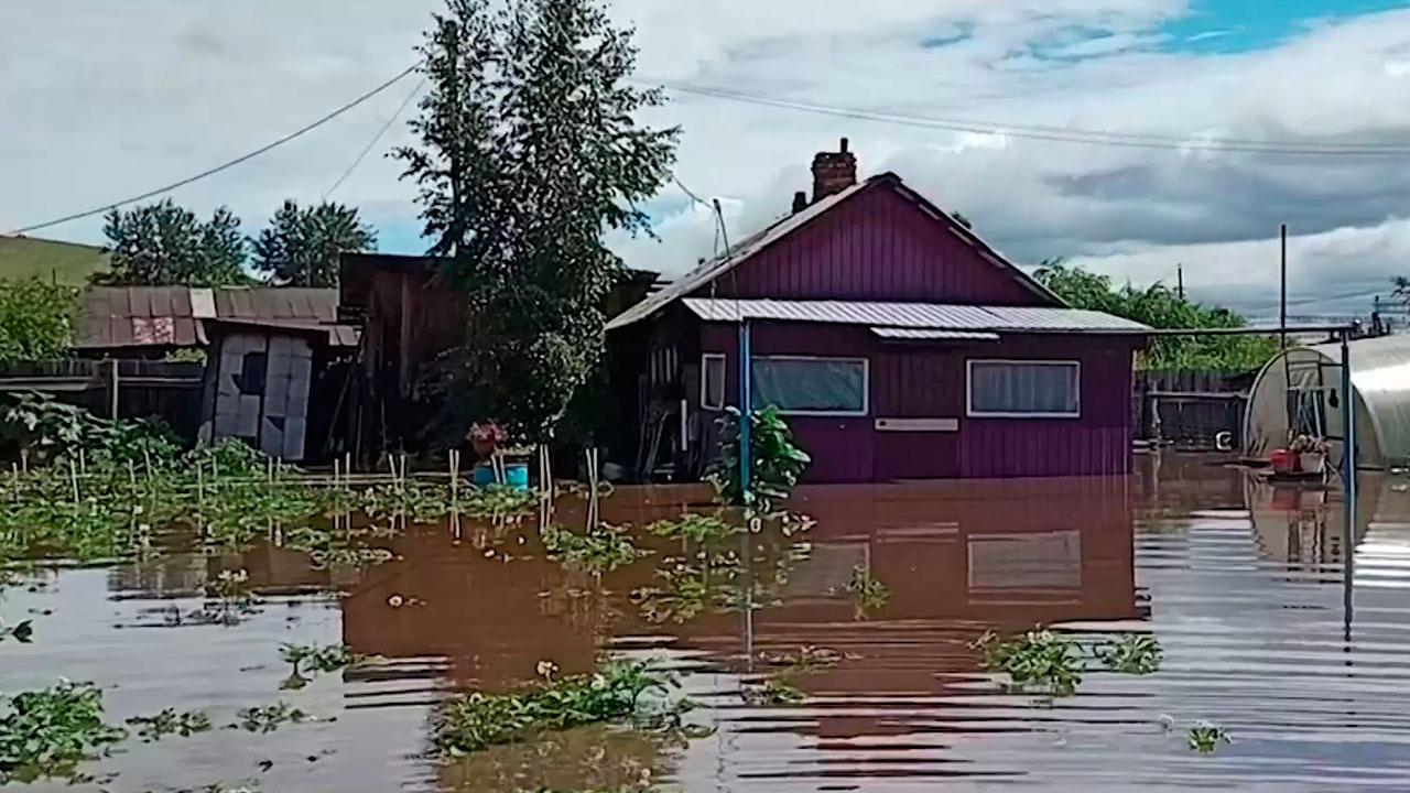 «Дороги больше нет»: Забайкалье затопили вышедшие из берегов реки