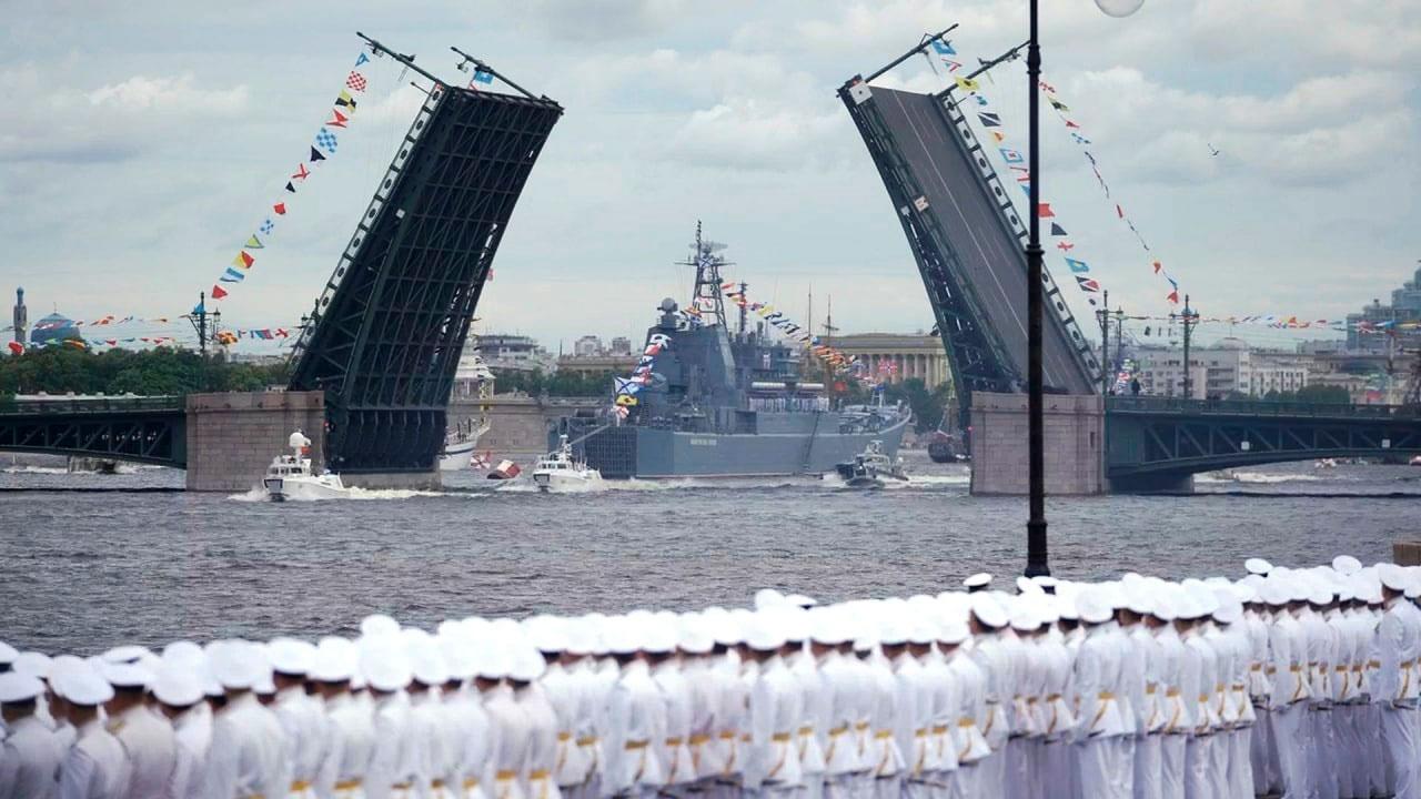 В преддверии Главного военно-морского парада на кораблях реализовали комплекс мер противодействия COVID-19
