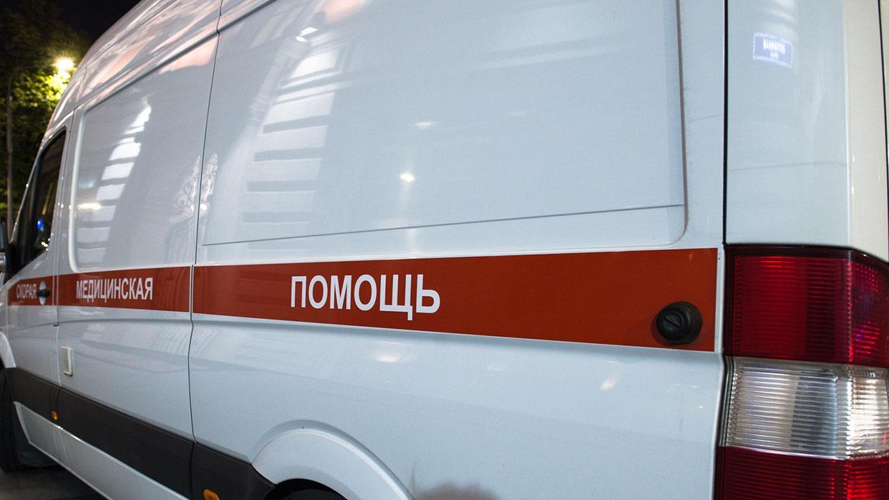 Три человека погибли при лобовом столкновении автомобилей в Ленобласти