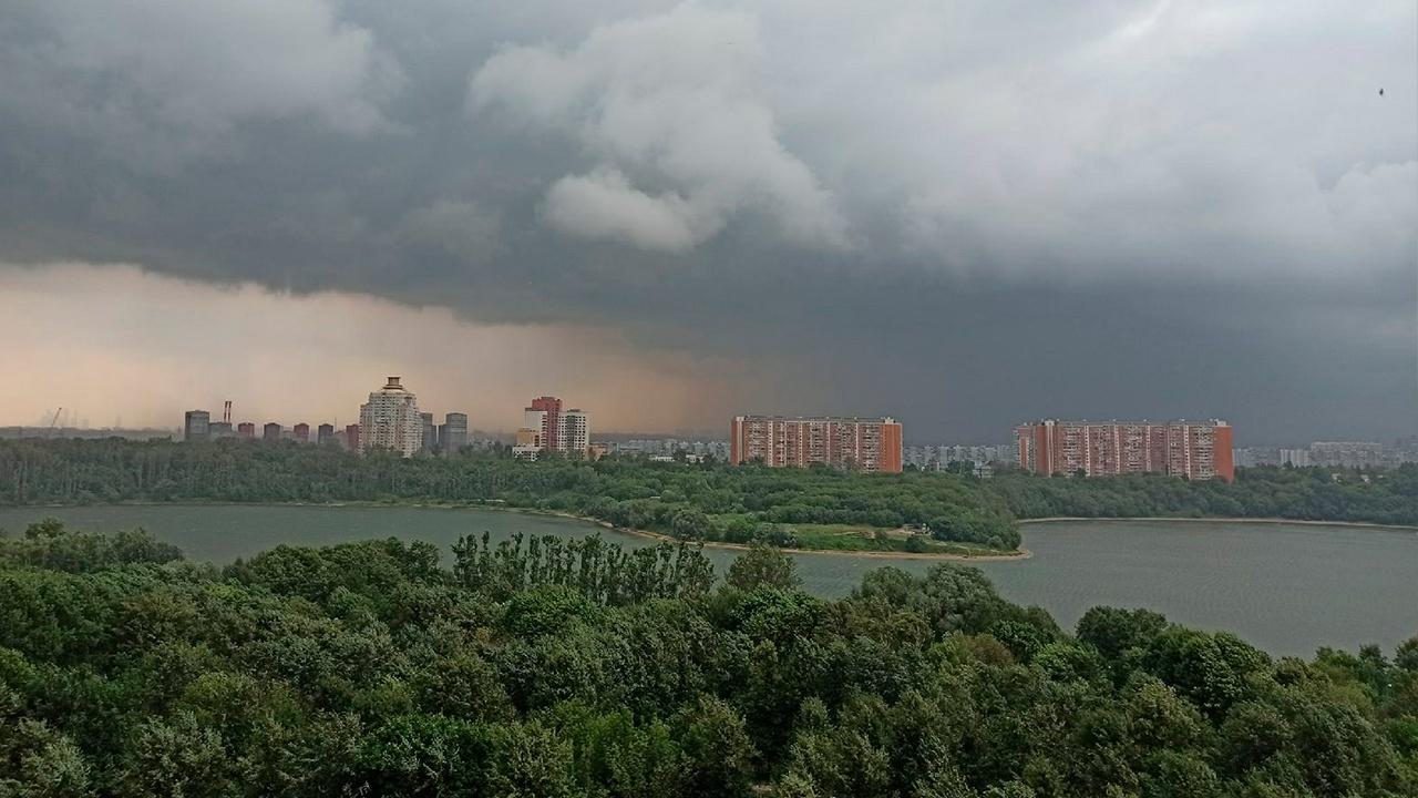 В Москве и области объявлен желтый уровень погодной опасности
