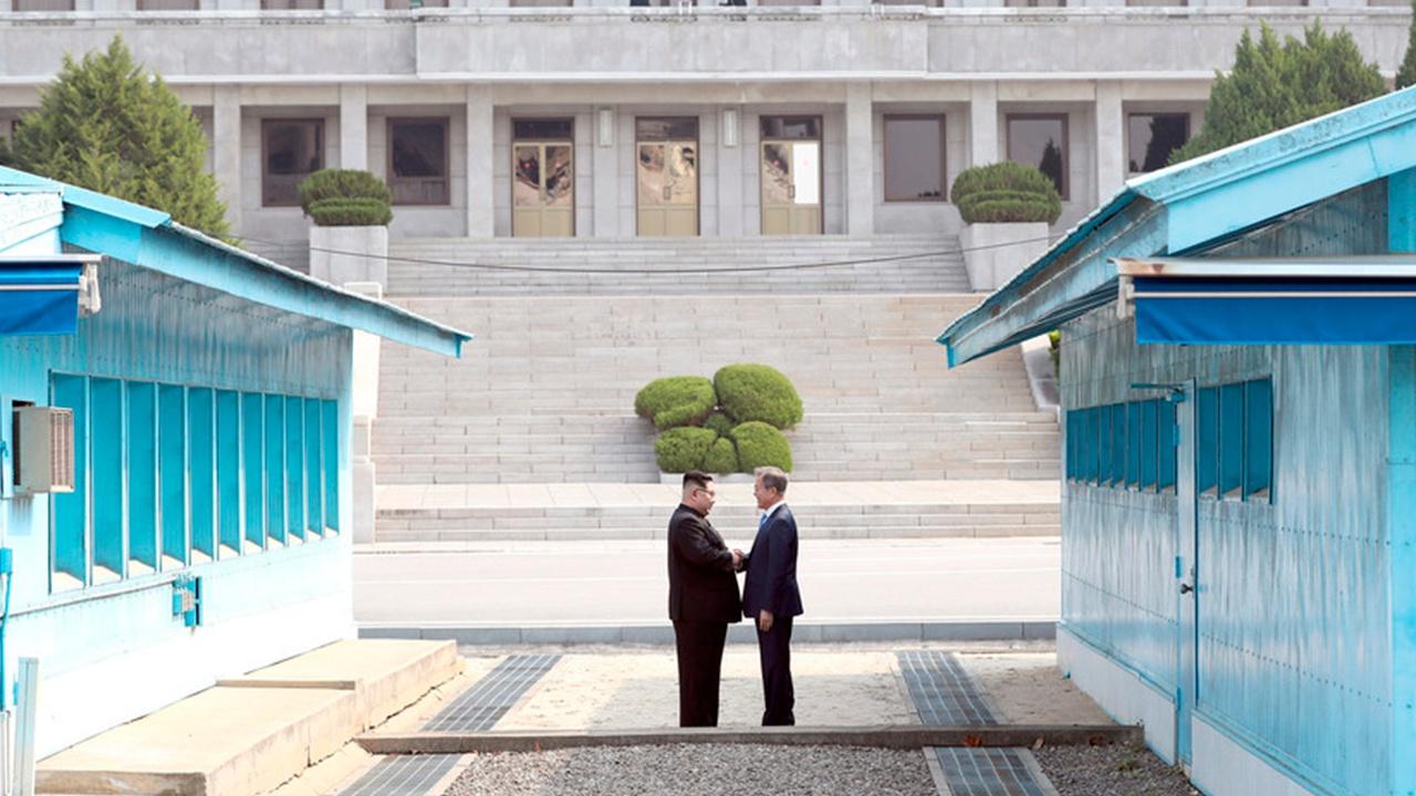 СМИ: между КНДР и Южной Кореей восстановили прямую линию связи