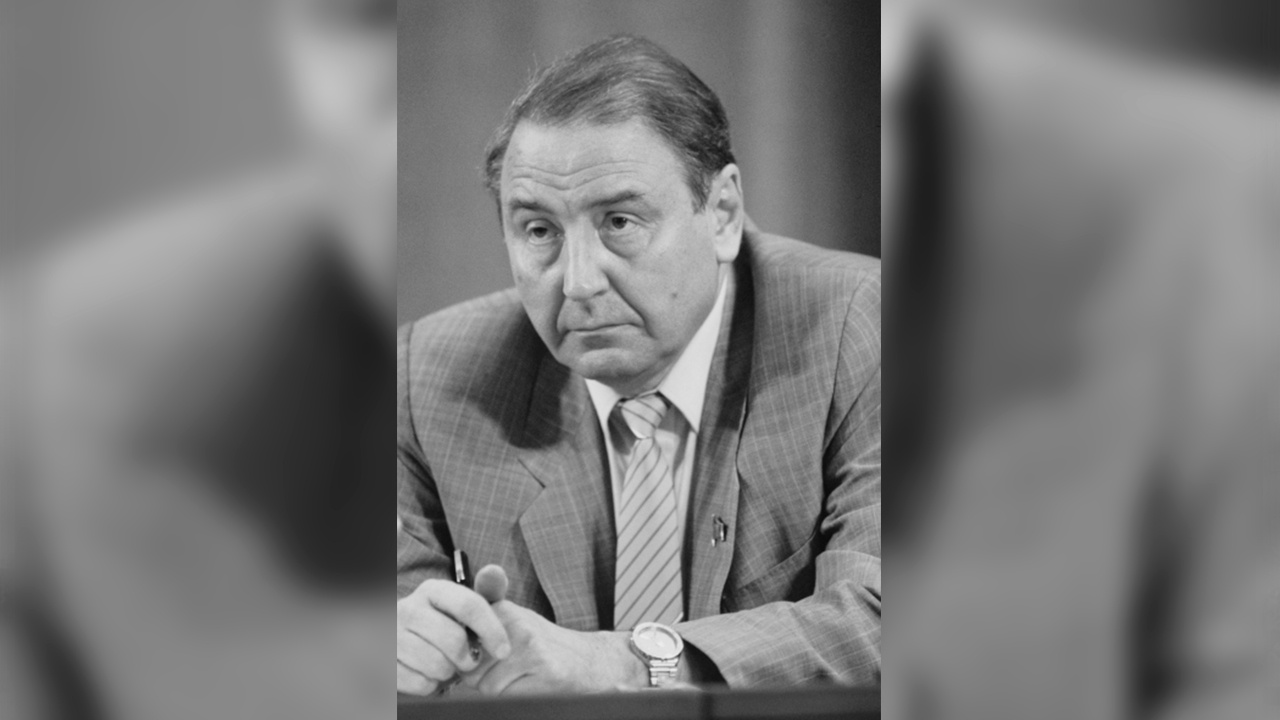 Умер последний член ГКЧП Олег Бакланов