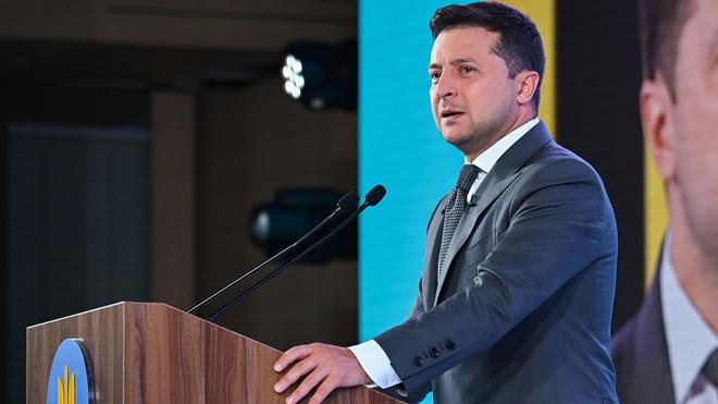 Зеленский уволил главу Генштаба и командующего силами в Донбассе