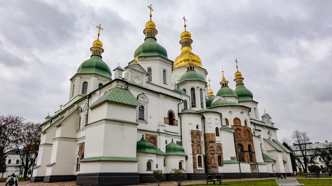 «Киевская Русь - это мать нашей истории»: Зеленский выступил по случаю годовщины Крещения Руси