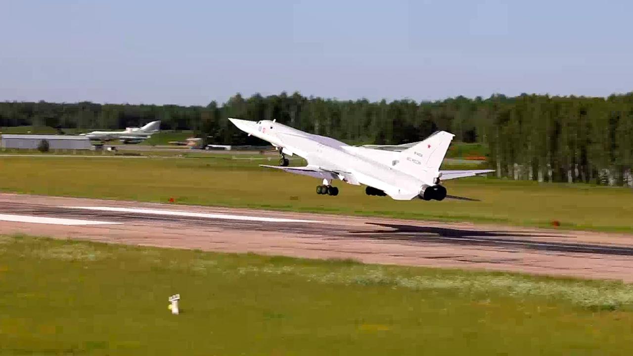 Небесная опора: в Калужской и Иркутской областях прошли учения Дальней авиации