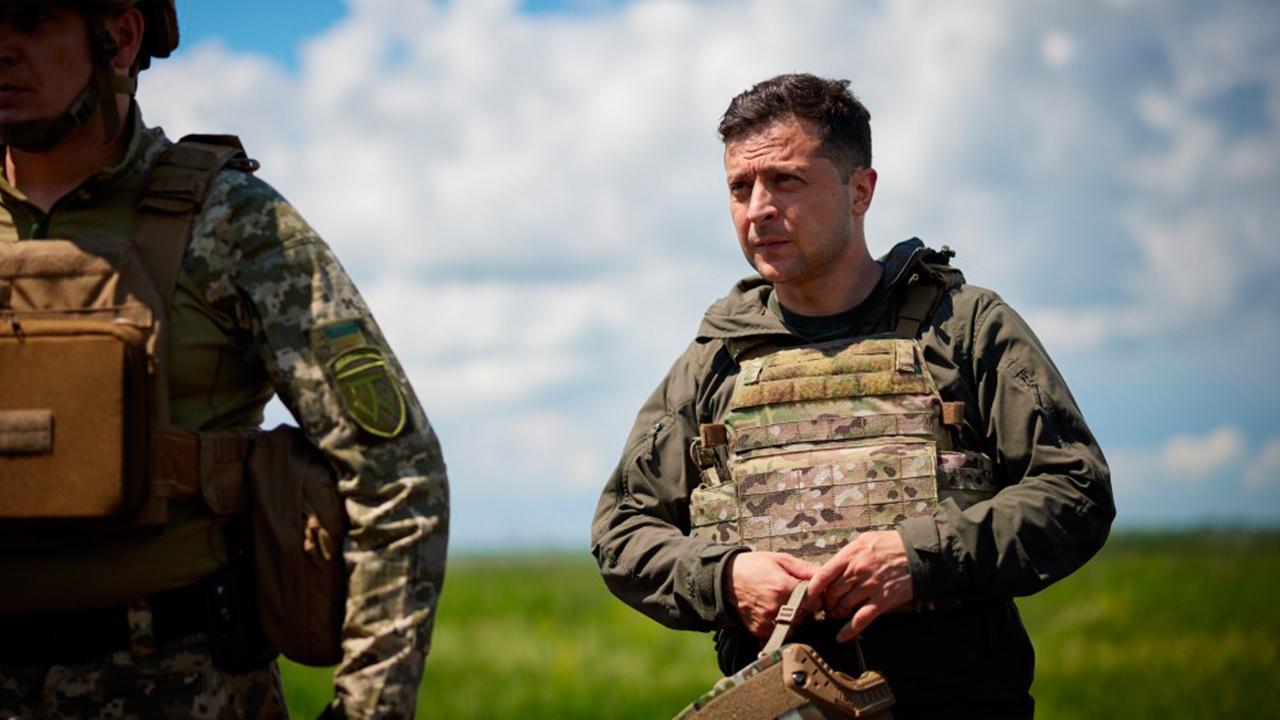 Зеленский представил новых командующих Генштабом и Объединенными силами в Донбассе