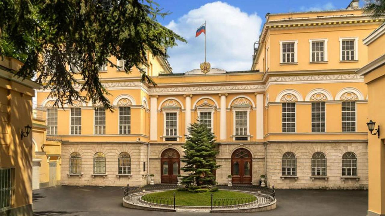 Генконсульство РФ в Стамбуле опровергло сообщение о пожаре в здании