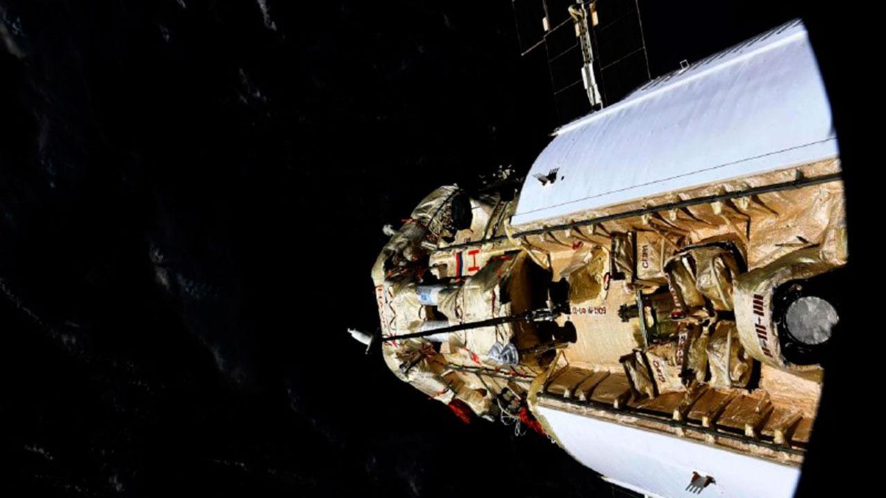 В «Роскосмосе» рассказали причину включения двигателей на модуле «Наука»