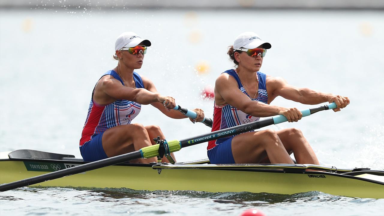 Россиянки Степанова и Орябинская завоевали серебро в академической гребле на ОИ в Токио