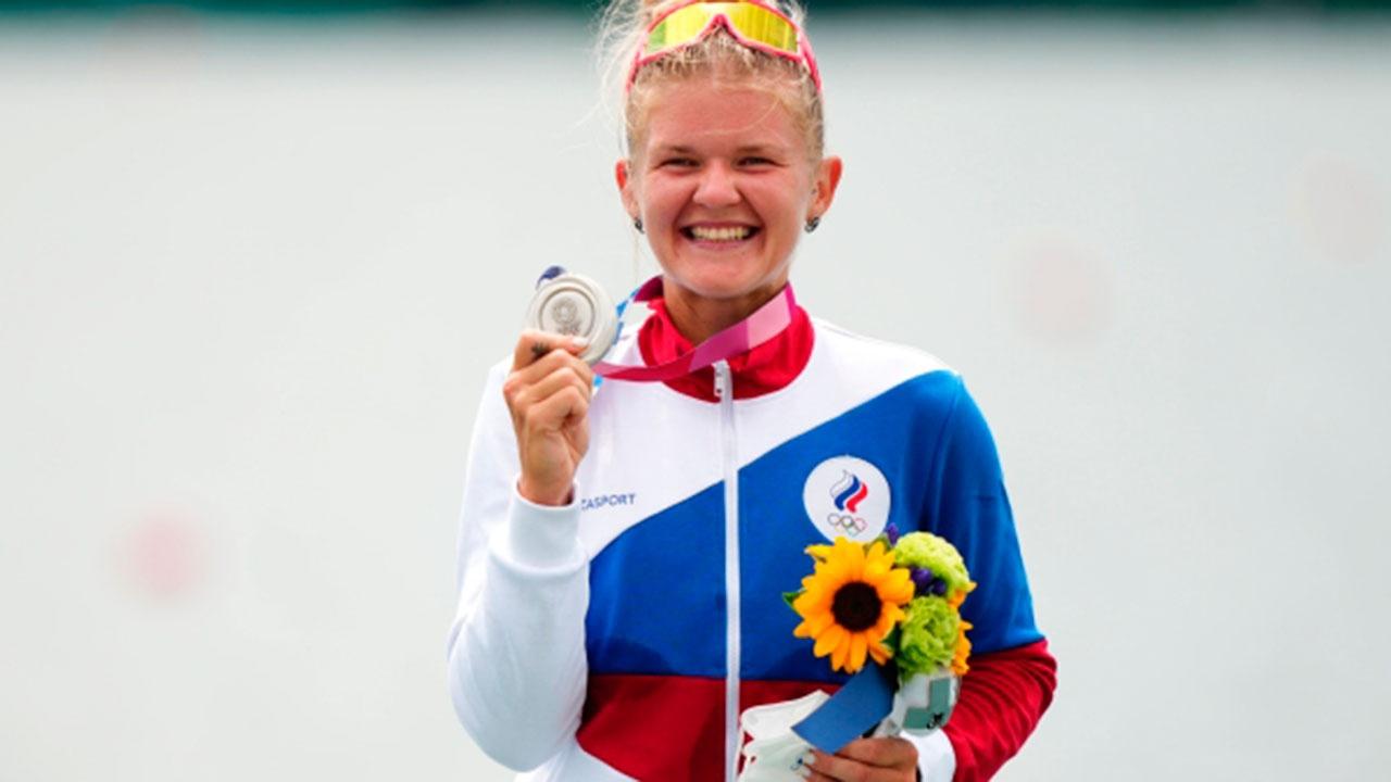 Россиянка Пракатень взяла серебряную медаль в академической гребле в Токио