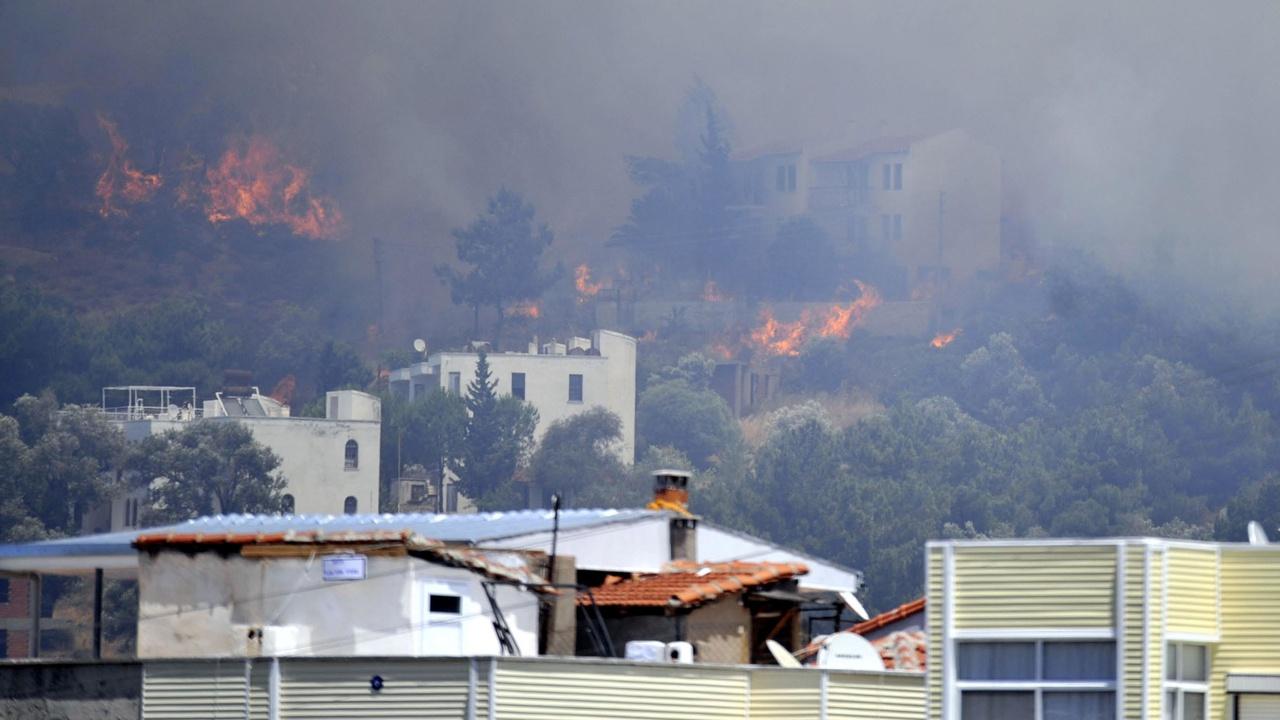 Постояльцы трех отелей в турецком Бодруме эвакуированы из-за пожара