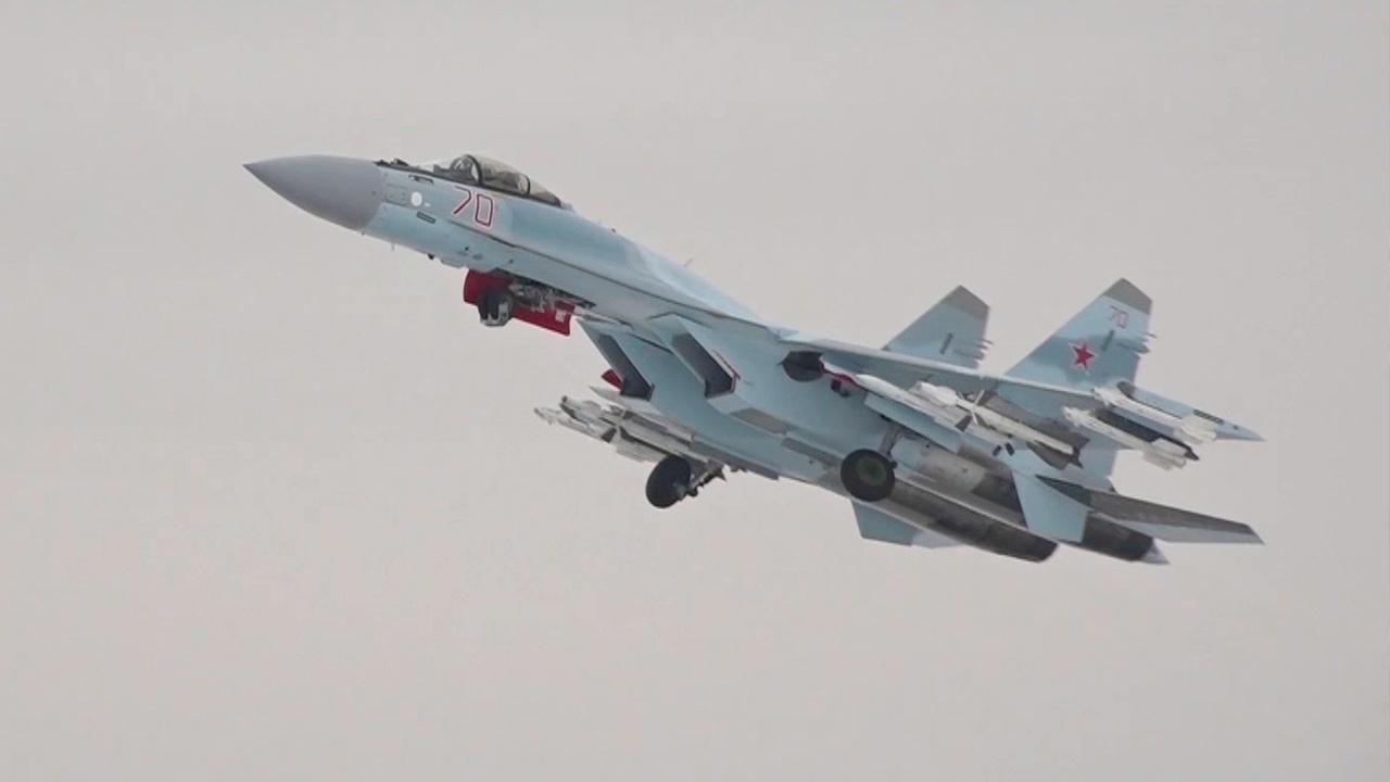 У истребителя Су-35С при выполнении плановых полетов в Хабаровском крае отказал двигатель