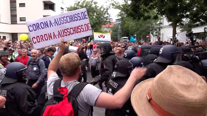 Задержано около 600 человек: в Берлине прошли акции COVID-диссидентов