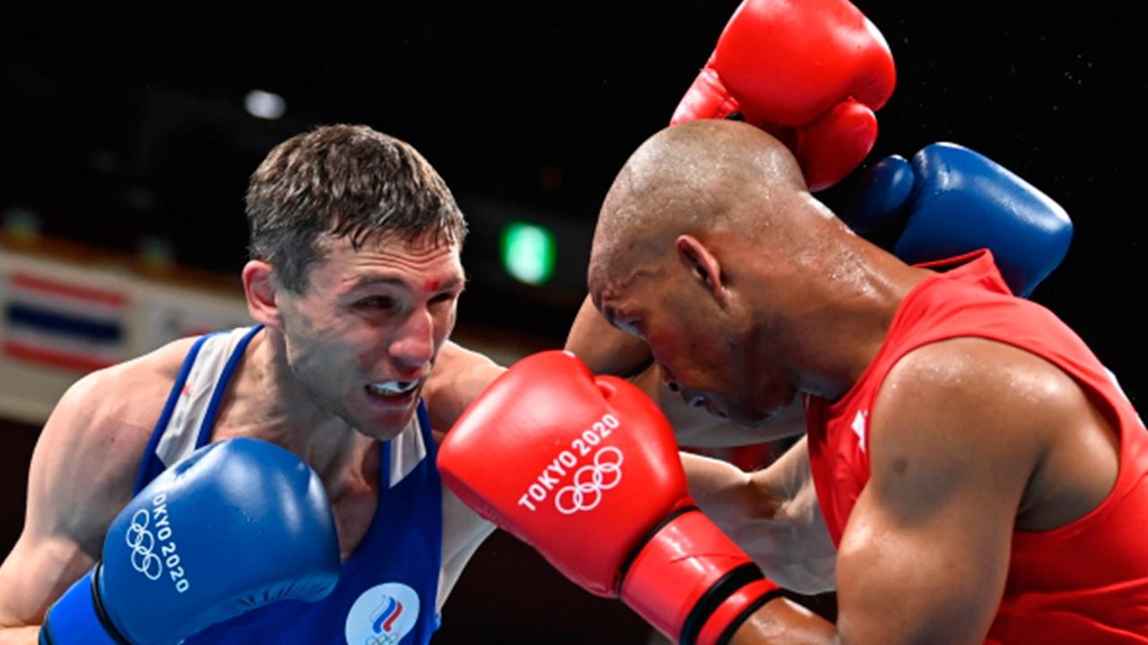 Российский боксер Замковой стал бронзовым призером Олимпийских игр в Токио