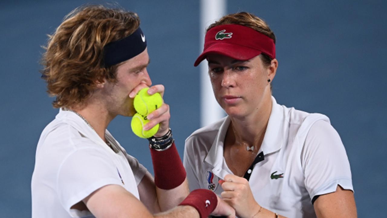 Теннисисты Павлюченкова и Рублев  завоевали золото ОИ-2020