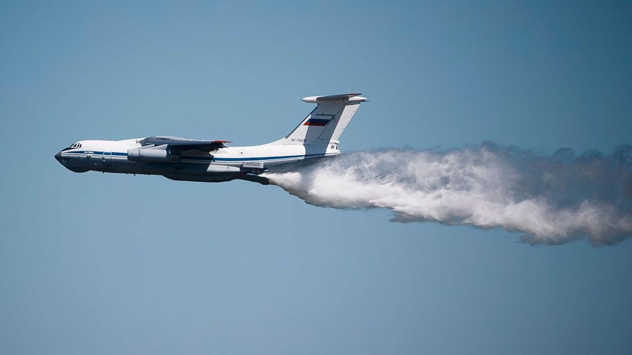 Шойгу поручил задействовать самолеты Ил-76 для тушения пожаров в Оренбургской области