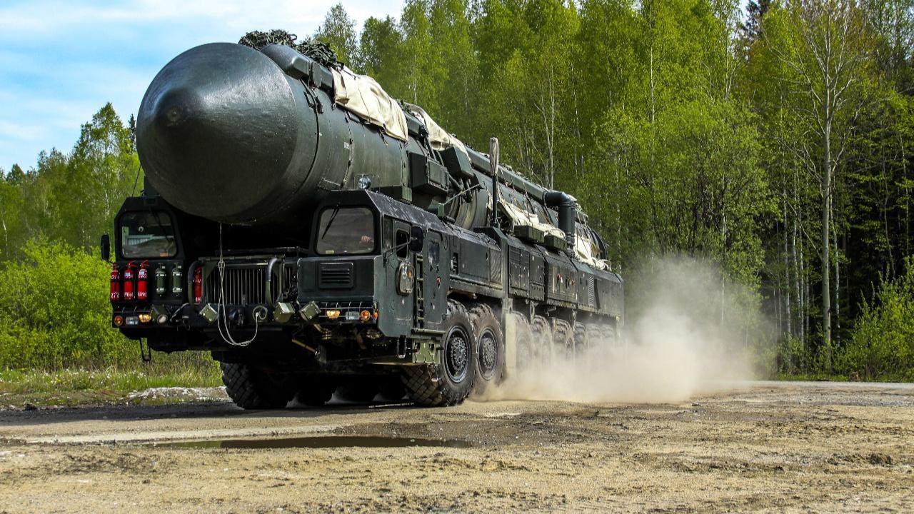 «Ярсы» Барнаульского соединения РВСН вышли на маршруты боевого патрулирования
