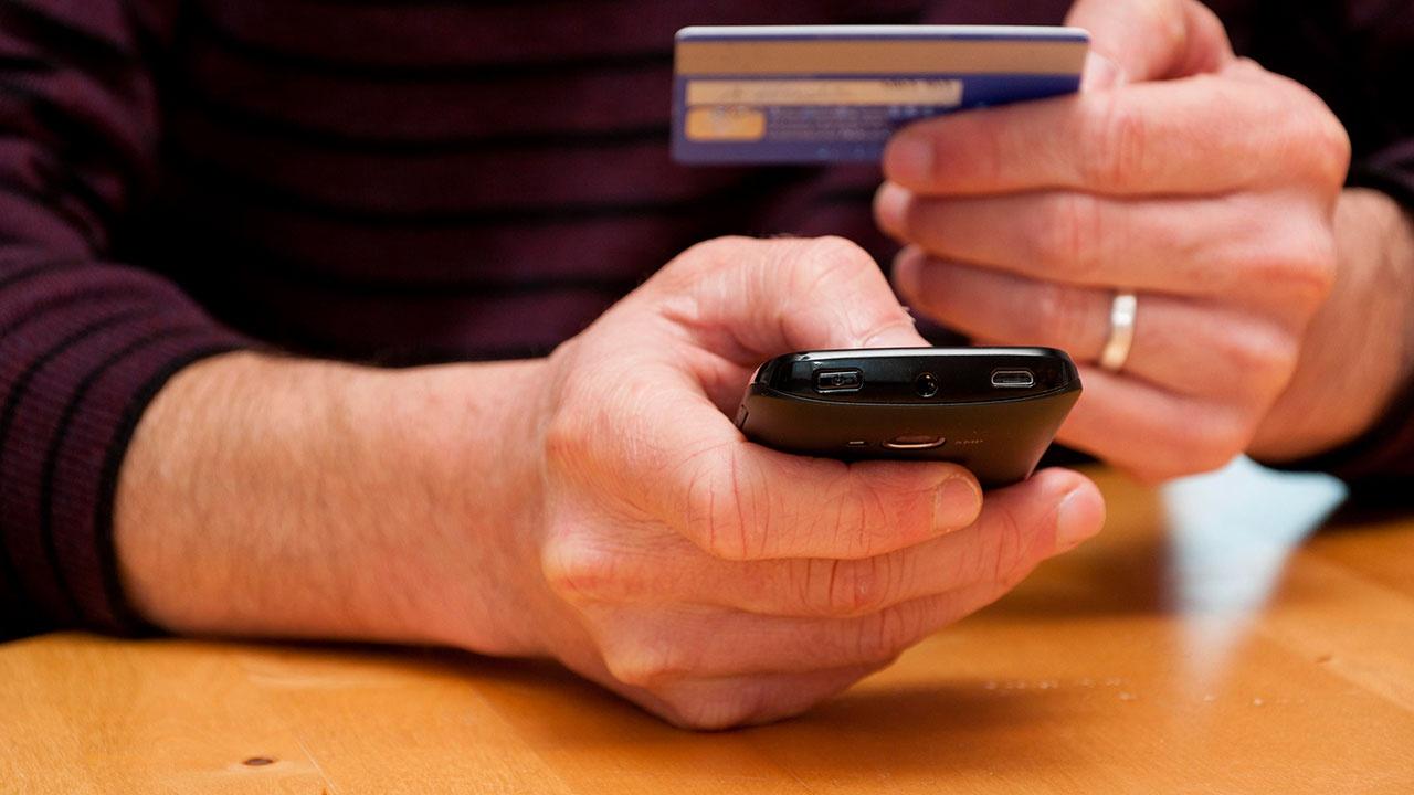 Россиян предупредили об опасности «троллить» телефонных мошенников