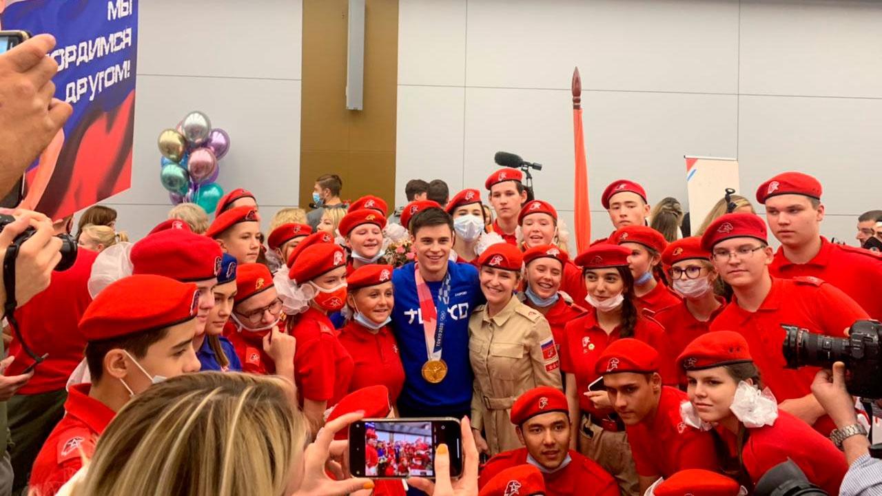 Юнармейцы встретили золотого медалиста Олимпиады Никиту Нагорного
