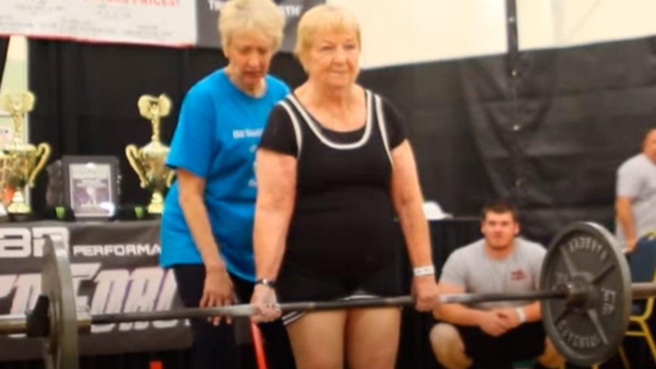 Пожилая американка в возрасте 99 лет установила мировой рекорд Гиннесса в пауэрлифтинге