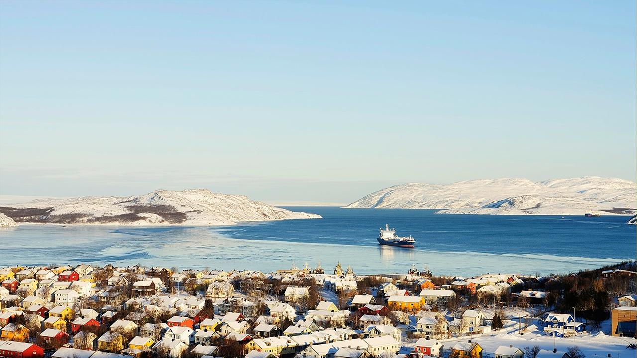 В норвежском порту загорелся российский траулер