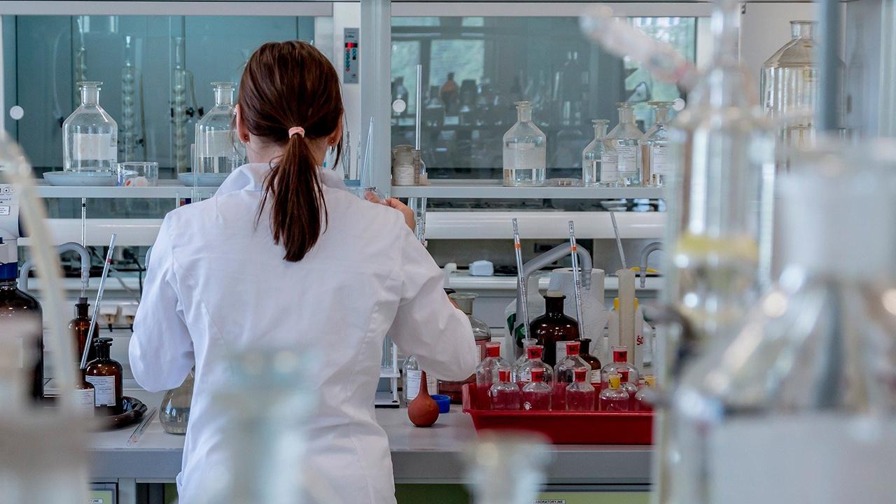 Эксперты ВОЗ выдвинули новую версию, как человек мог заразиться коронавирусом