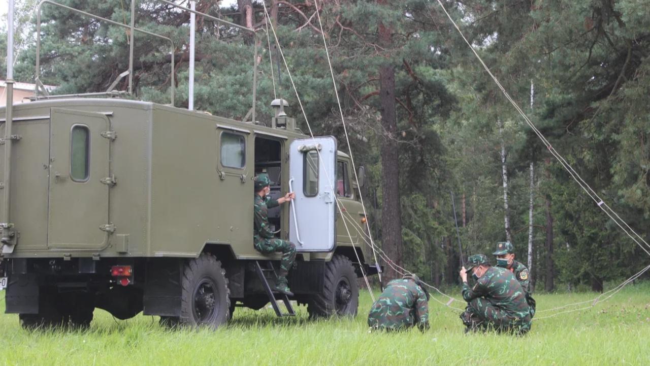Связь есть: военнослужащие готовятся к конкурсу «Уверенный прием» под Минском